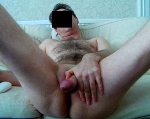 Kåt bisexuell kille vill ha någon att ha det skönt med