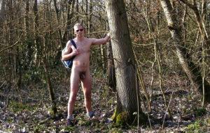 Debutant, söker en aktiv, välutrustad, frisk, diskret man