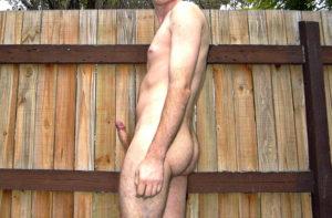 Ung bisexuell kille vill ha hårda kukar!